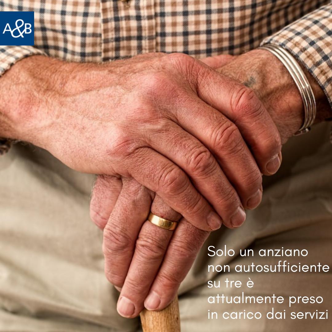 L'Italia Che Invecchia Senza Cure